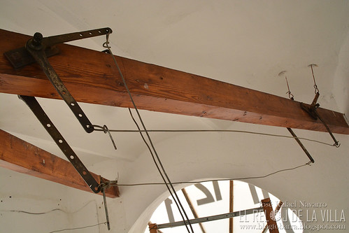 Transmisión de movimiento a los martillos de las campanas