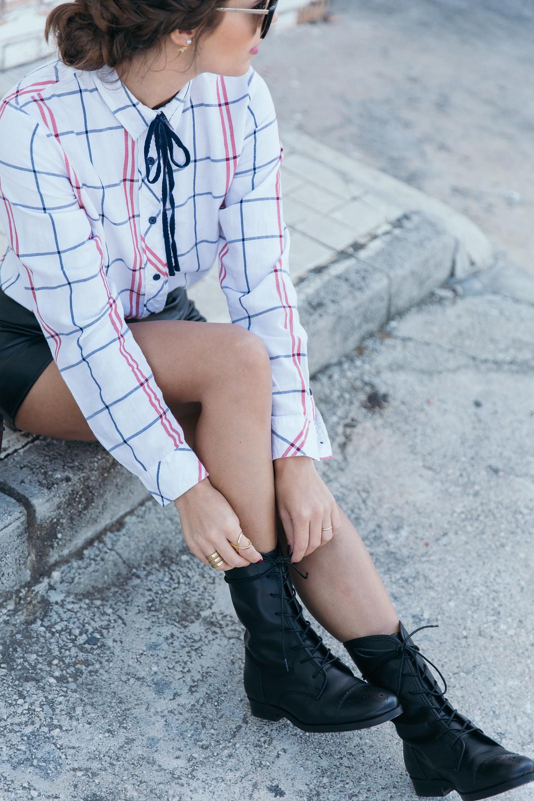 Jessie Chanes Seams for a desire - Black Boots Itshoes Parfois bag faux leather skirt-14
