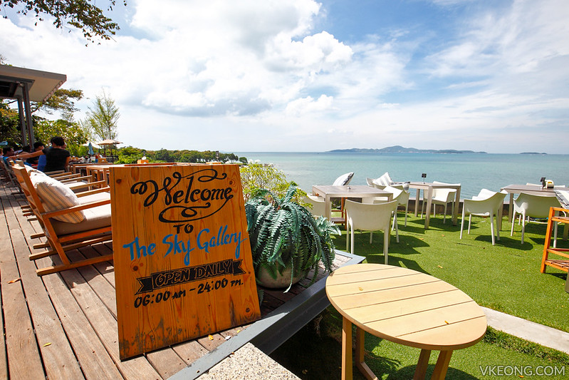 The Sky Gallery Restaurant Pattaya Signboard