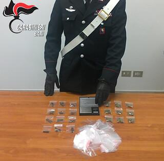 La droga sequestrata dai Carabinieri di Putignano