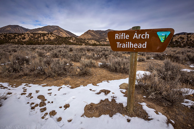Rifle Arch Trailhead