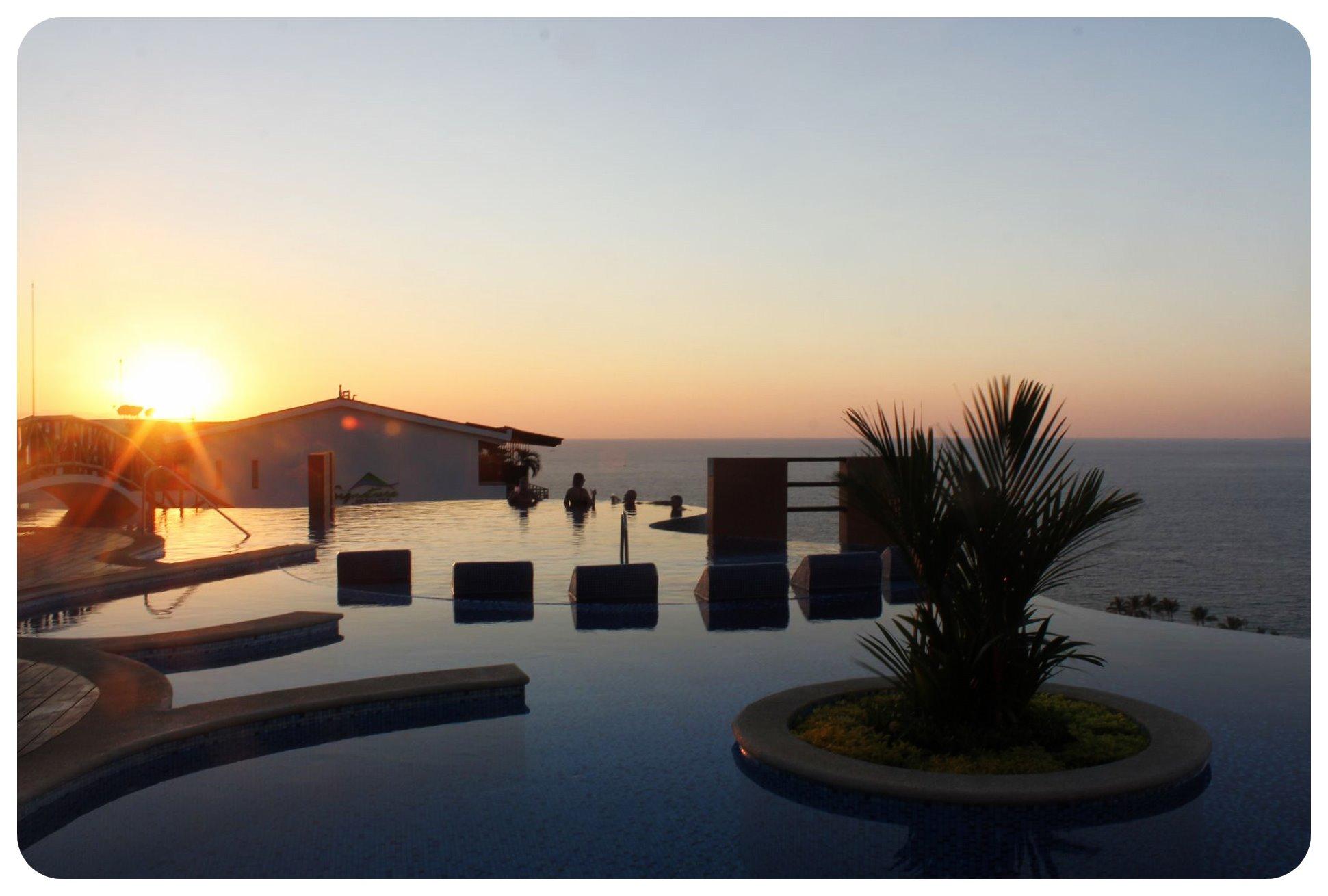 pinnacle pool sunset