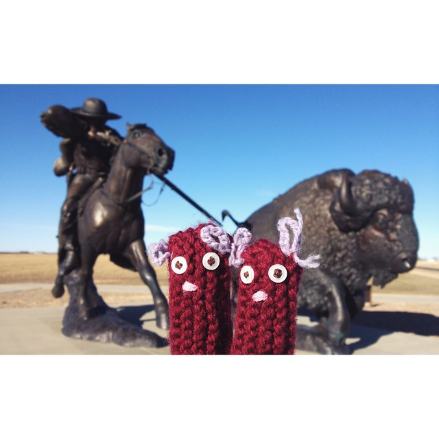 The twice life size Buffalo Bill statue dwarfs Fingerwarmers. #birthplaceofalegend