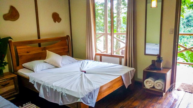Stylish eco-friendly rooms at the Rios Tropicales River Lodge
