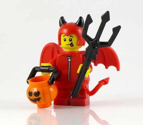 71013 LEGO Minifigures Series 16 - Cute Little Devil 1