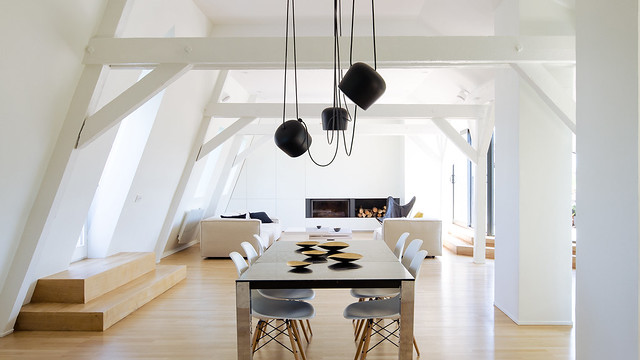 Attic interior by f+f architectes. Sundeno_01