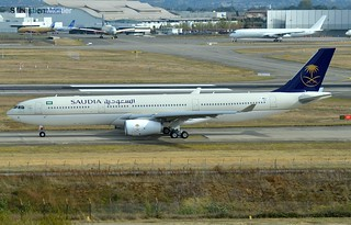 330.343 SAUDI ARABIAN AIRLINES F-WWCS 1743 TO HZ-AQ18 23 10 16 TLS