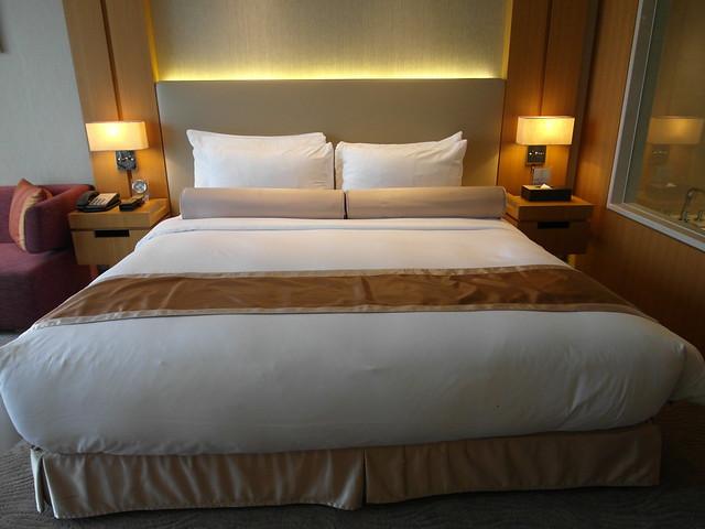 超大的雙人床!@台中日月千禧酒店