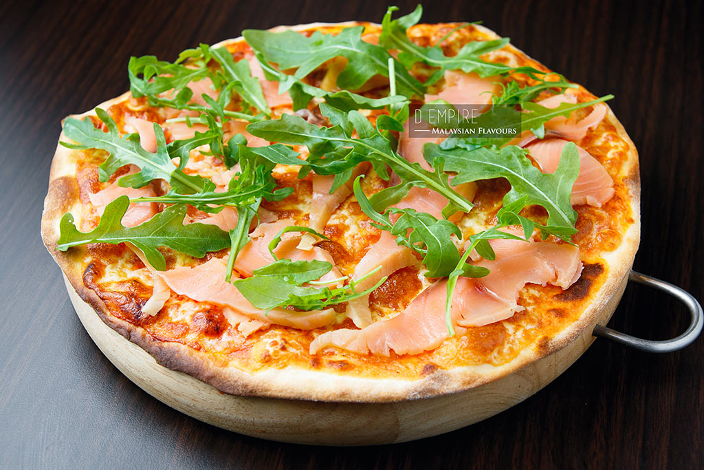 D Empire European Cuisine smoked salmon pizza