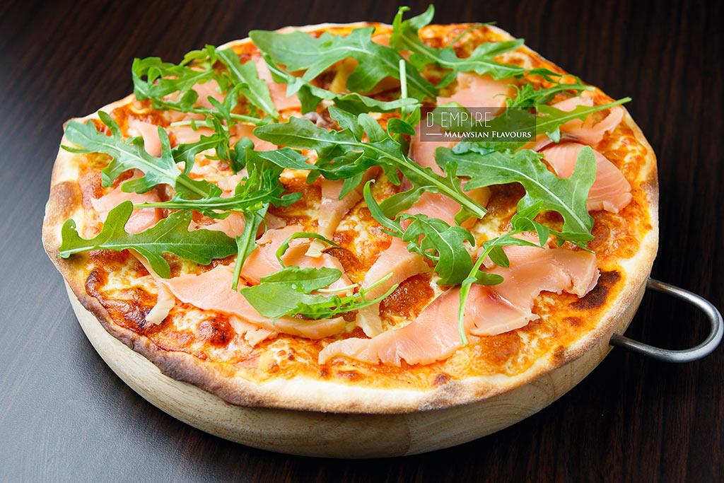 D Empire European Cuisine smoked salmon pizza