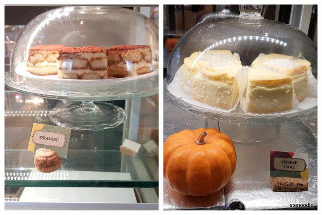 Touhenboku Cafe tiramisu and cheesecake