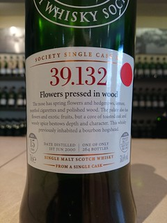 SMWS 39.132 - Flowers pressed in wood