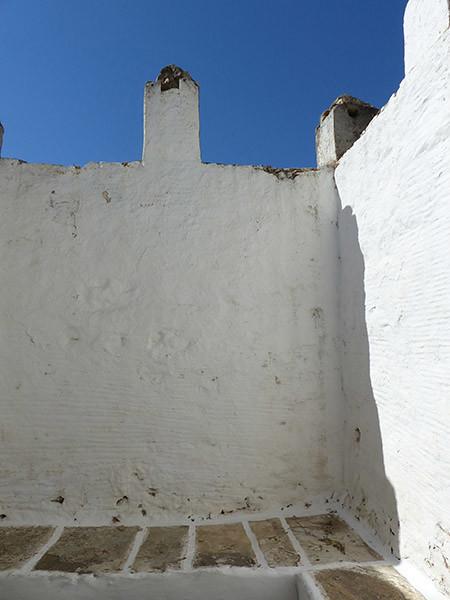 beau mur blanc