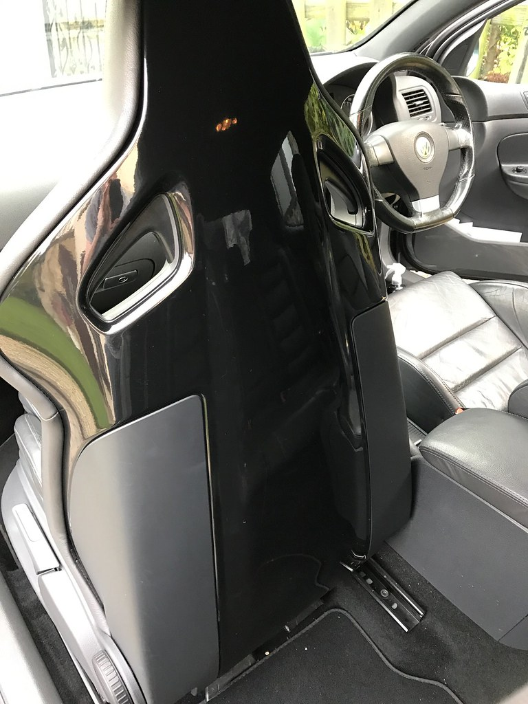 mk5 r32 3dr heated bucket seats for sale would need leather swap car parts mk5 golf gti. Black Bedroom Furniture Sets. Home Design Ideas
