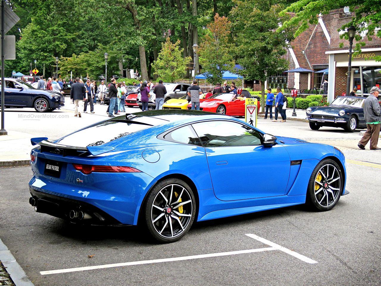 Jaguar F-Type SVR Ultra Blue 7