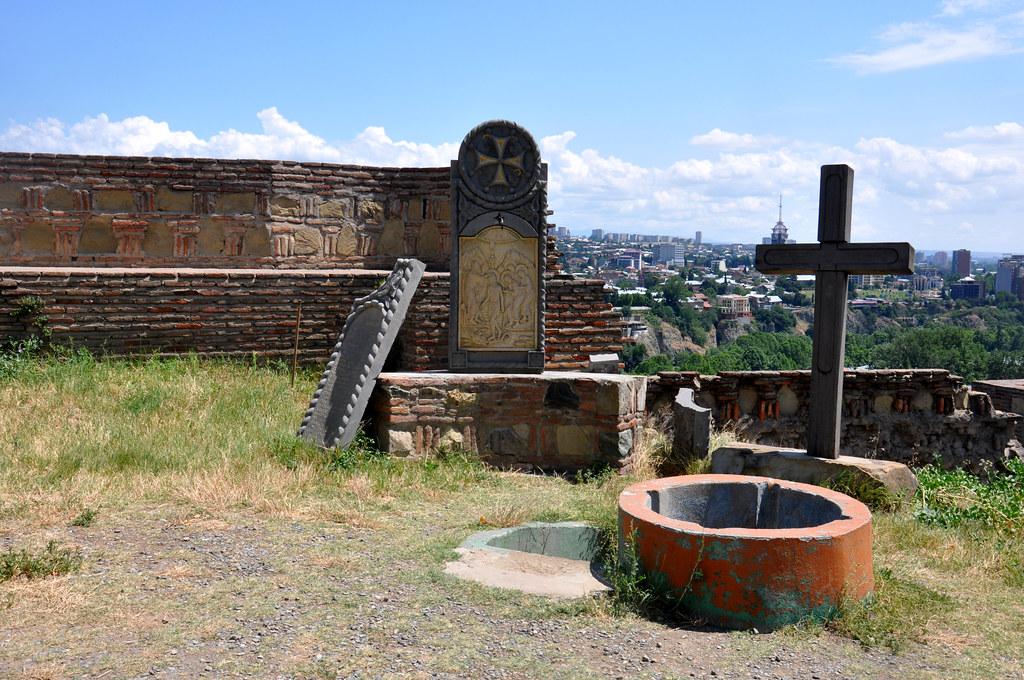 Крепость Нарикала 21