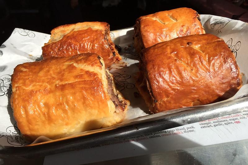 Sausage rolls, Ginger Pig
