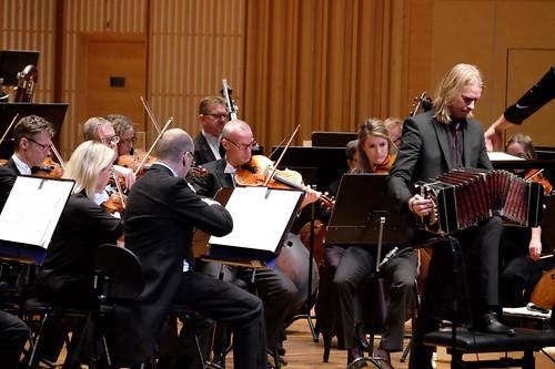 SON spelar Piazolla med Jens Lundberg