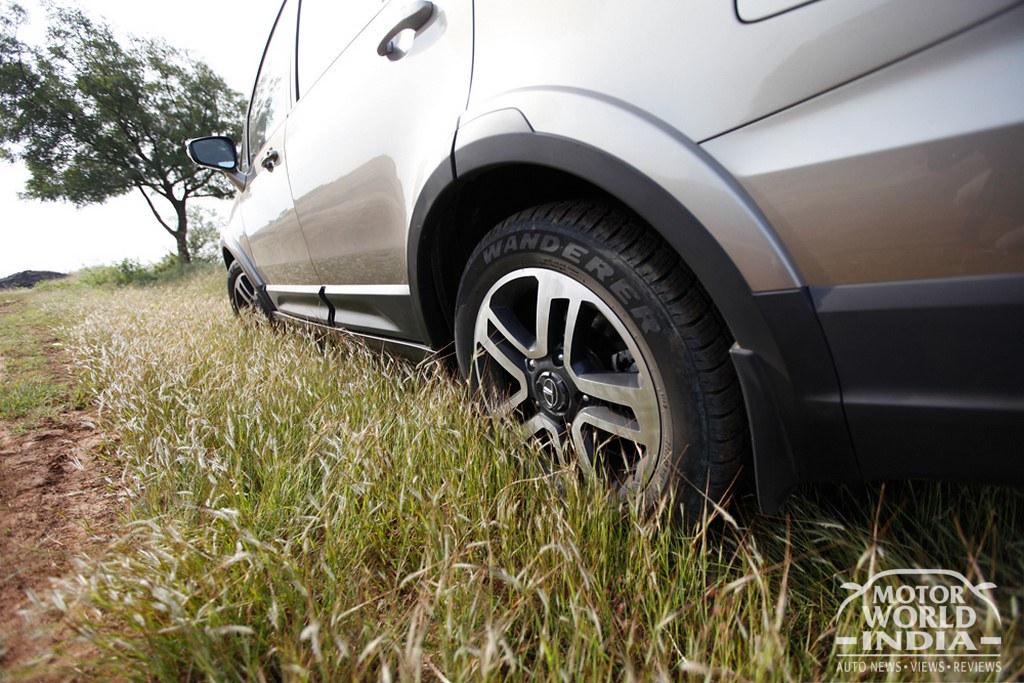 Tata-Hexa-Alloy-Wheel
