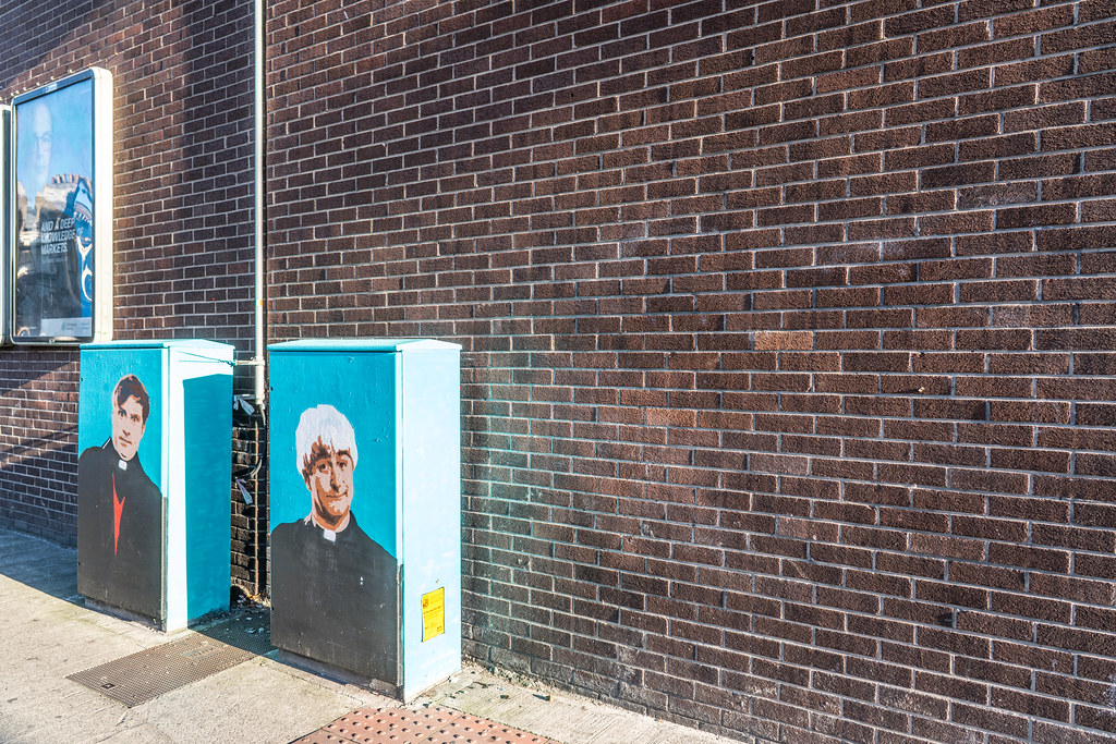 STREET ART TRIBUTE TO FATHER TED AND FATHER DOUGAL [DUBLIN CANVAS PAINT-A-BOX]-122934