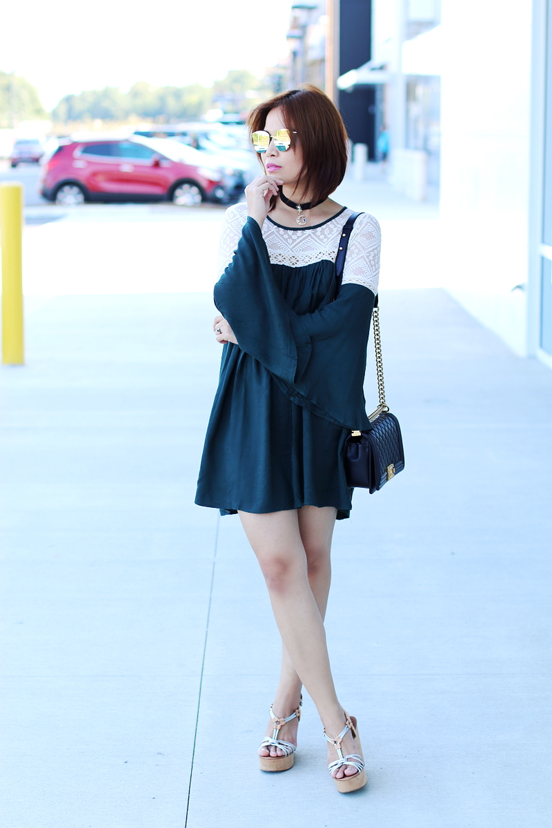 green-bell-sleeves-dress-chanel-boy-bag-wedge-sandals-5