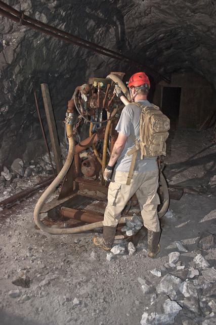 UEC-137 Mine