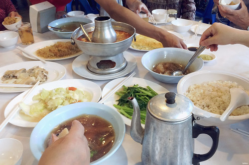 Chinese Budget Bus Tours Chinese family style meals