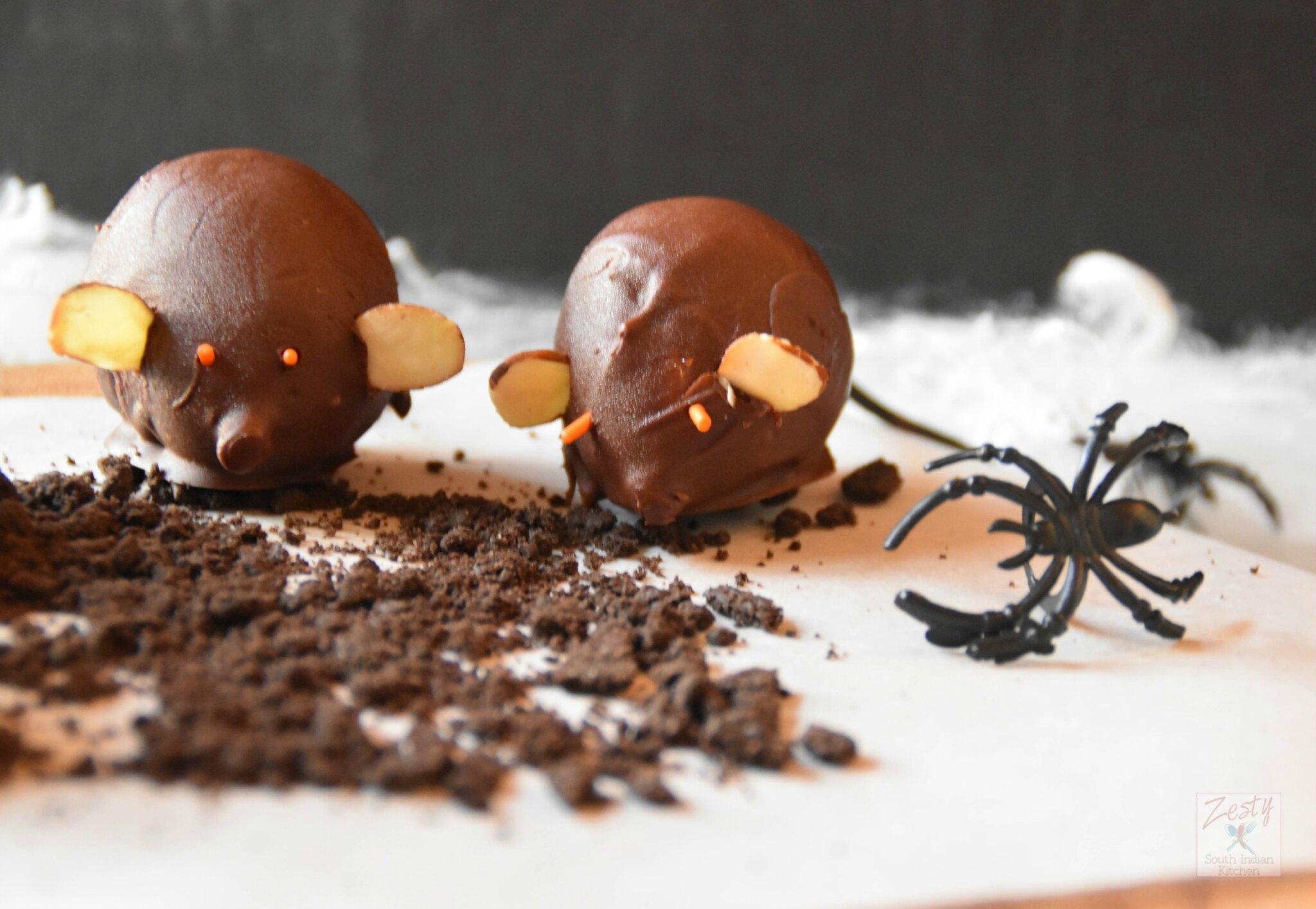 "<img src=""https://cdn.shortpixel.ai/client/q_glossy,ret_img,w_2048,h_1415/Chocolate fig mice.jpg"" alt="" Chocolate fig mice1"">"