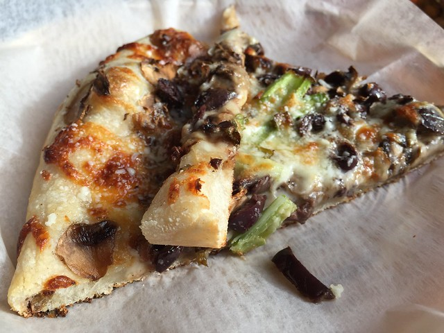 Button Mushrooms, Olives, Green Onion, Mozzarella, Truffle Oil