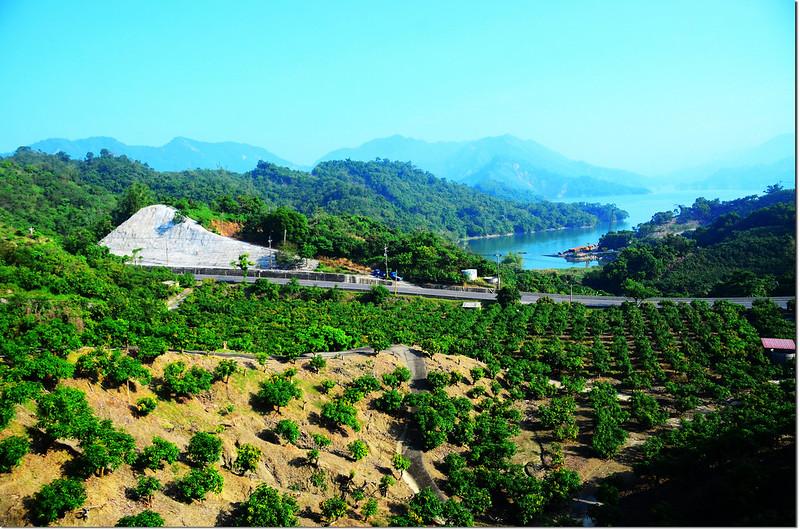 竹頭崎山停車處俯瞰南化水庫
