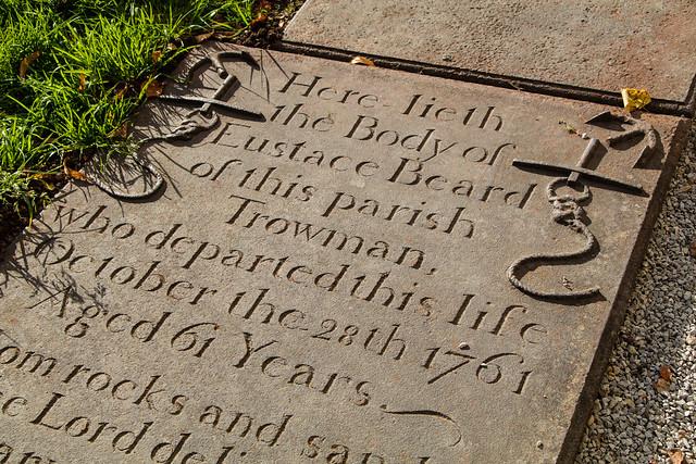 cast-iron headstone 064b (157)