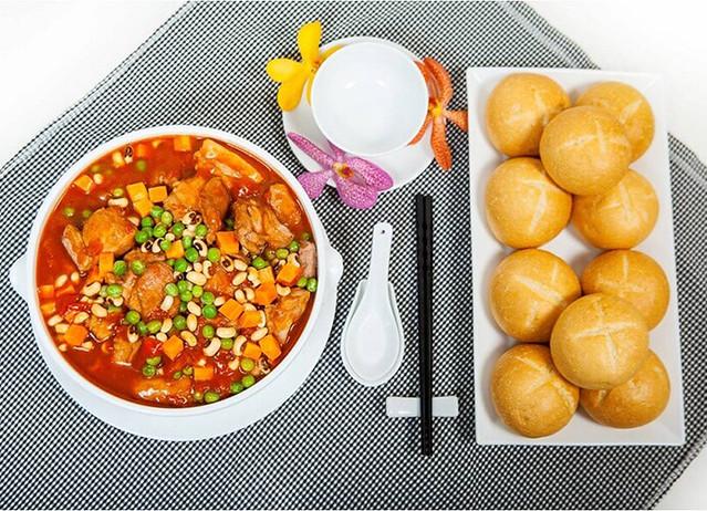 Chúng tôi còn thiết kế thêm các món đậu phụ chay dành cho các vị khách mời không thể ăn mặn