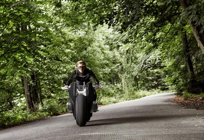 2016-BMWMotorradVisionNext100-18