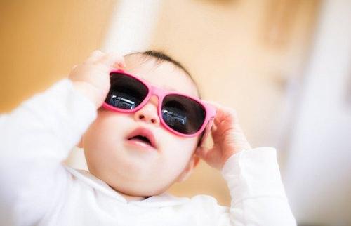 赤ちゃん サングラス