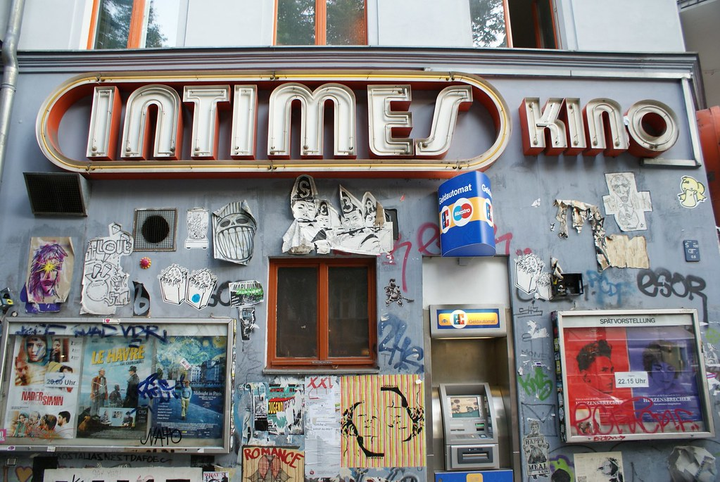 Enseigne de cinéma à Berlin : Intimes Kino