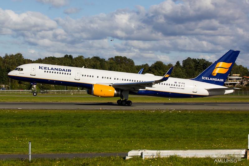 Icelandair - B752 - TF-FIS (1)