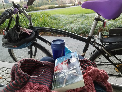 Coffeeneuring #1: Reading and Knitting