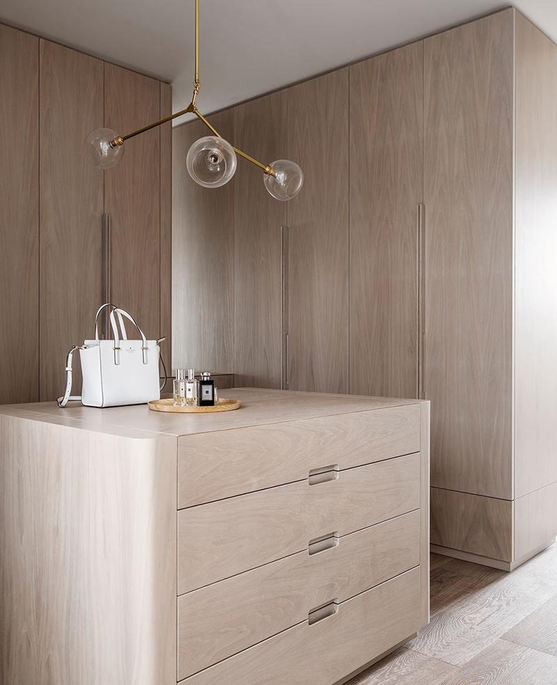 AMM blog | a minimal oak closet