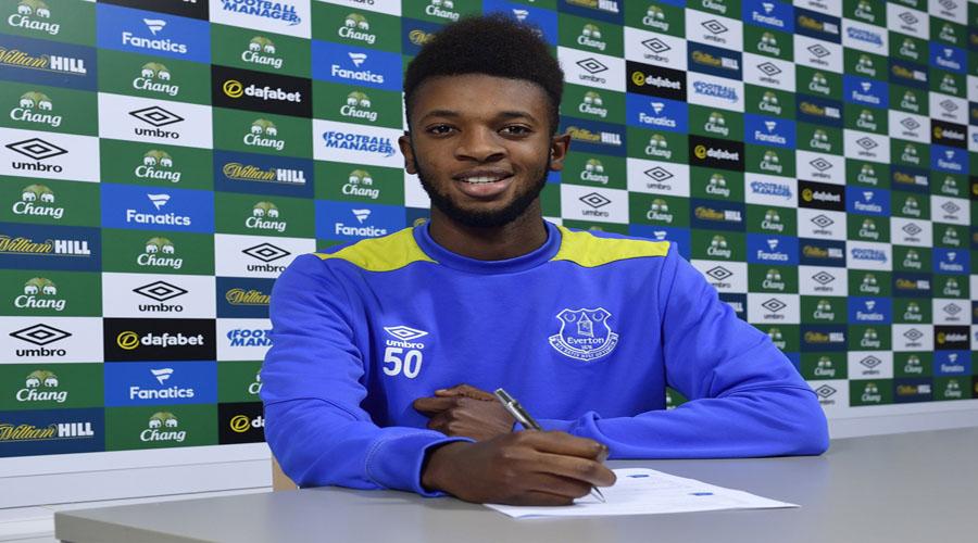 Beni Baningime signs for Everton