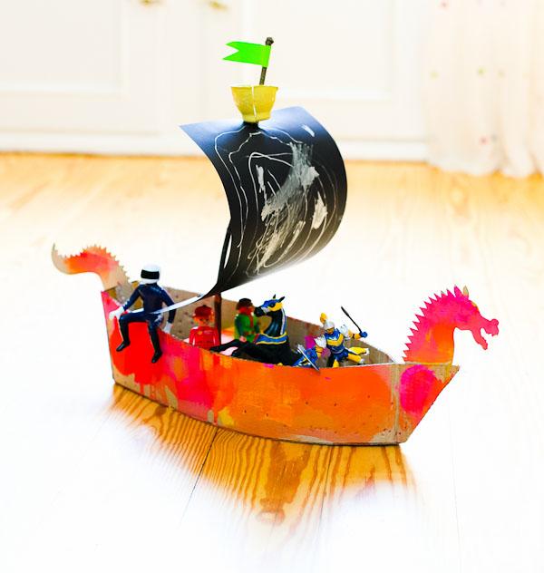 Piratenschiff_aus_Pappe_9627.jpg