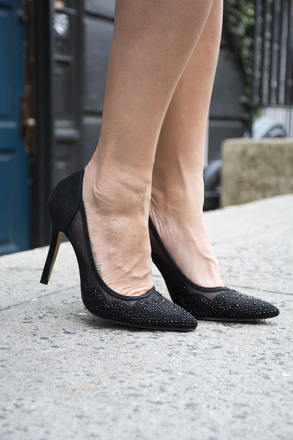 12nyc-scallop-black-heels-style-fashion