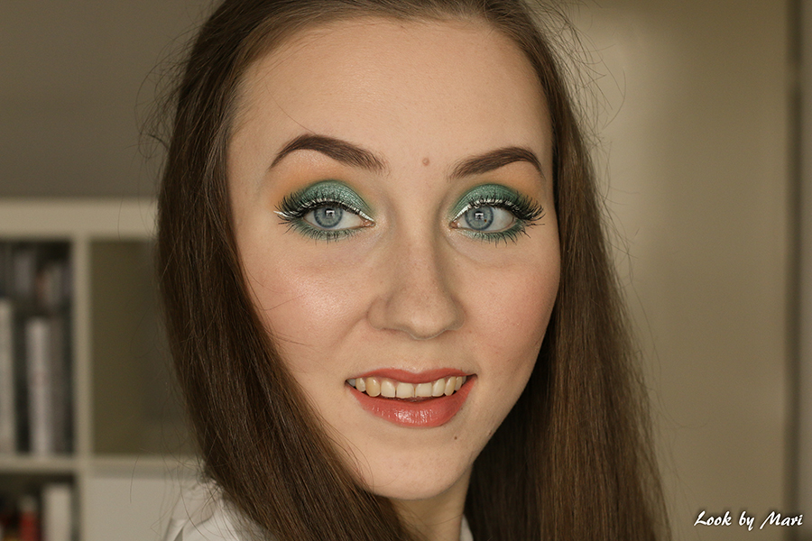 3 green eyemakeup for blue eyes