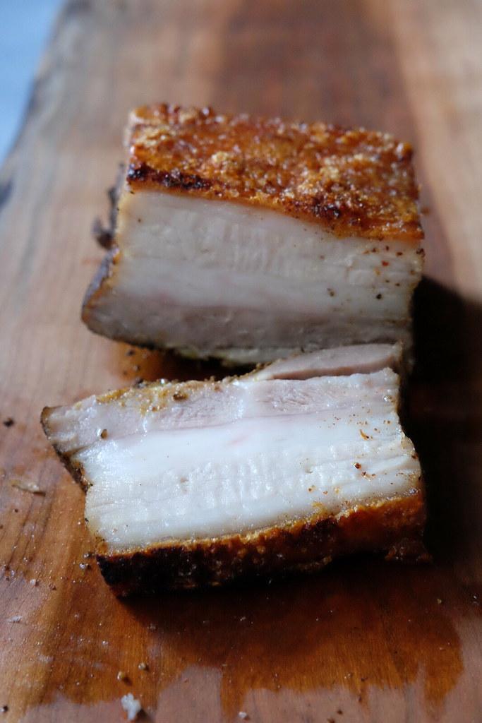 heo quay crispy pork belly