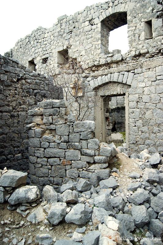 Стены крепости, вид изнутри