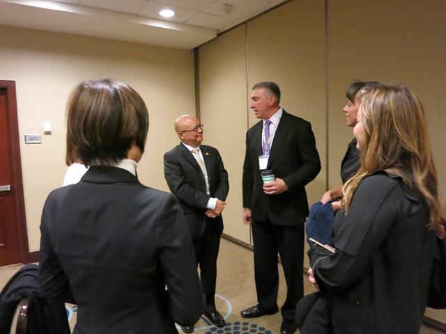2016-11-10 與華爾街日報的代表會談 (3)