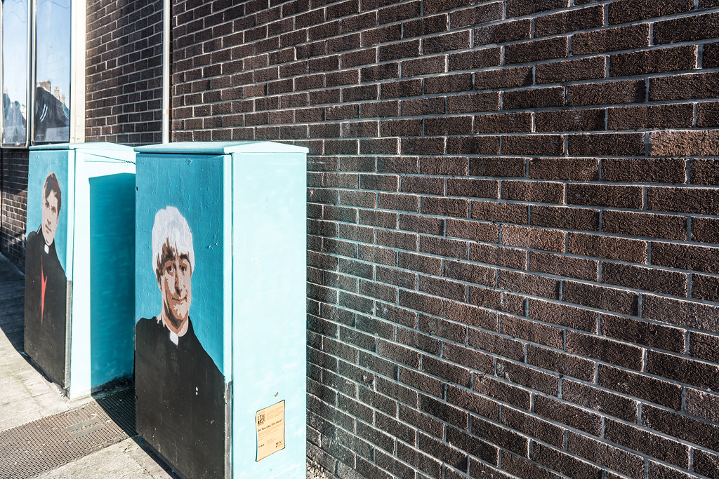 STREET ART TRIBUTE TO FATHER TED AND FATHER DOUGAL [DUBLIN CANVAS PAINT-A-BOX]-122935
