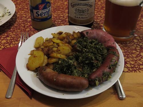 Grünkohl mit Kohlwurst, Rauchende, Pinkel und Bratkartoffeln