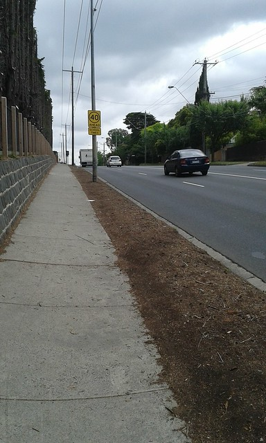 No bike infrastructure on Middleborough Road