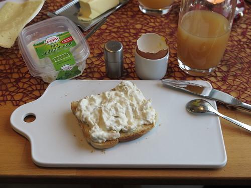 Bio-Geflügelsalat auf Toast
