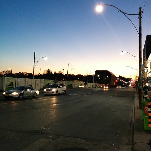 Twilight, looking west on Eglinton #toronto #yongeandeglinton #eglintonavenue #twilight